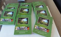Deux projets : un livre pour soutenir nos projets et  aider 35 orphelins à Pondy de l'internat Bon Secours!